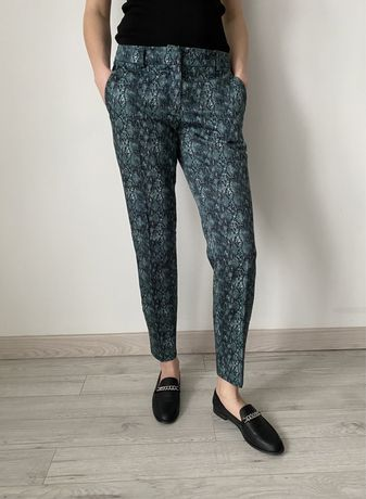 Spodnie w kant typu cygaretki marki Mohito. Jak nowe, stan idealny!