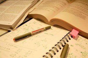 Trabalhos académicos e universitários