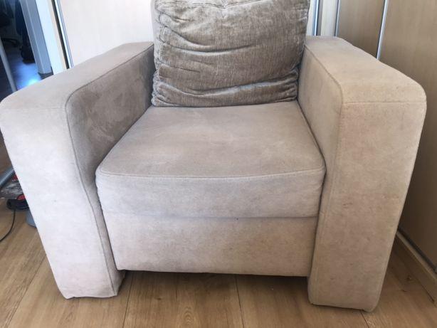 Fotel WAJNERT duży, wygodny ,  beżowy