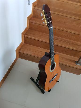Guitarra / viola acústica + bolsa + base partituras + suporte chão