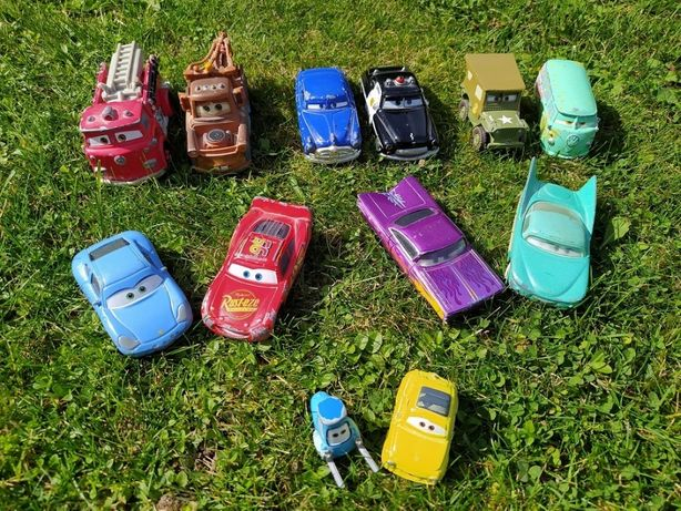 Cars samochody autka zestaw metalowe oryginalne 12 sztuk Matell