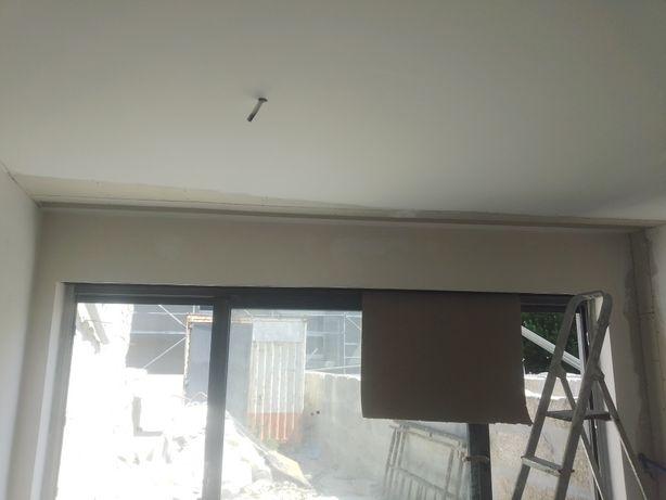 Pintor , aplicador de pladur , aplicador de papel de parede