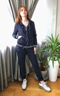Спортивный прогулочный костюм темно-синего цвета Италия