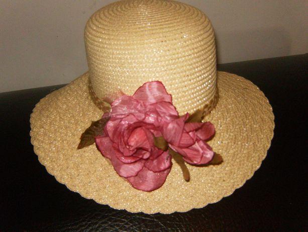 Chapéu c/ flor rosa