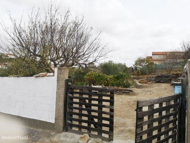 Terreno urbano em São João dos Caldereiros