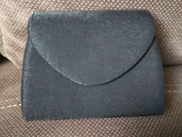 Śliczna czarna kopertówka torebka