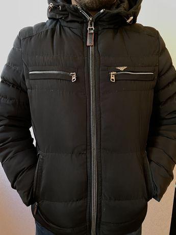 Куртка пуховик чорна
