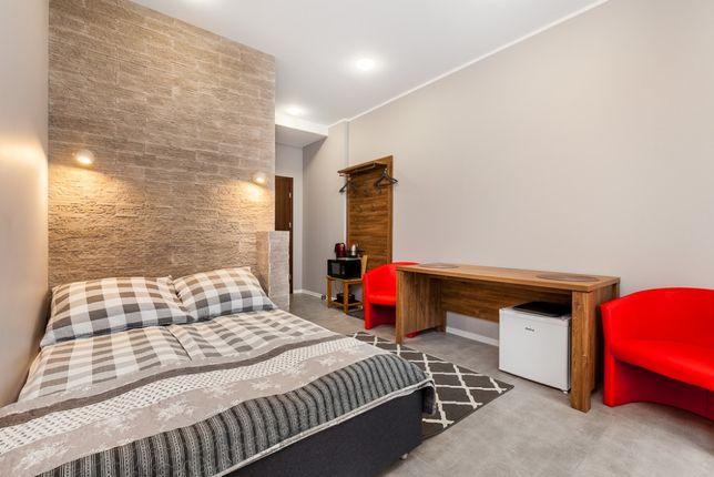 Apartament z balkonem , Pokoje z łazienkami - m.parkingowe,noclegi,