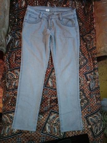 Стрейчевые серые джинсы зауженные р.48