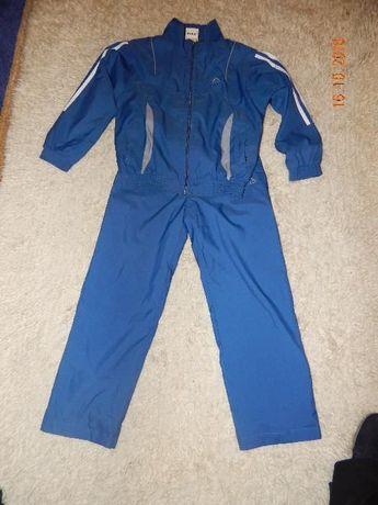 Спортивный костюм на мальчика 10-11 лет.