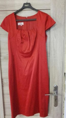 Sukienka elegancka czerwień