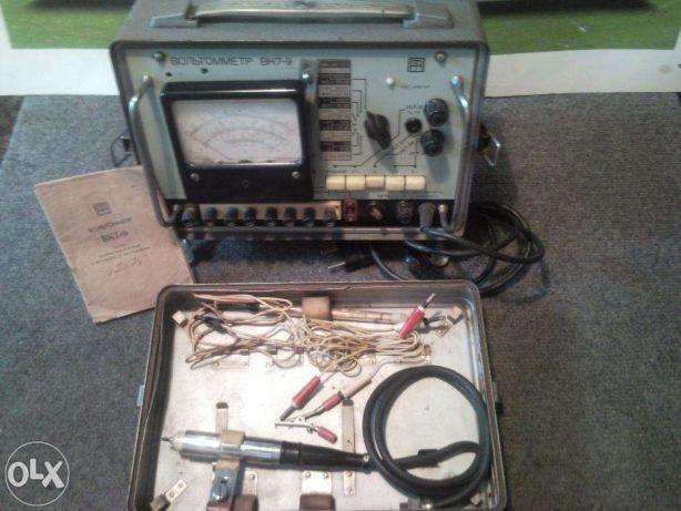 Urządzenie pomiarowe-Woltomierz lampowy z 1968r