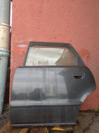 Drzwi lewy tył Audi 80 90 B3 B4