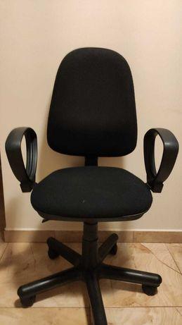 Krzesło obrotowe czarne