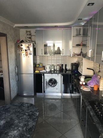 Продам 4-х комнатную и кухню студию Таирова