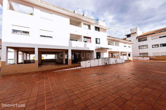 Apartamento T3 -Vilas do Alcáide