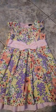 Piękna sukienka 4-5 lat