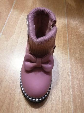Дитячі осінні ботиночки