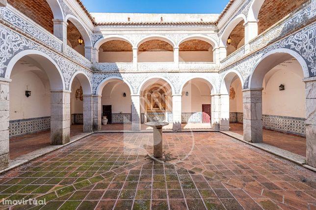 Antigo convento dos frades Capuchos, Ex-Libris histórico do sec.XVI