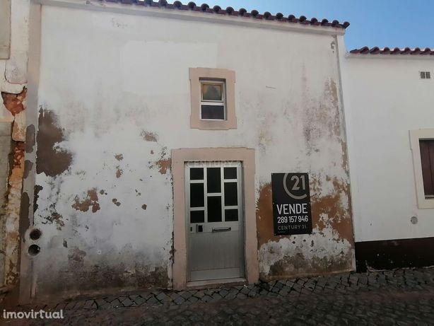 T1 para recuperar no centro Histórico de Loulé