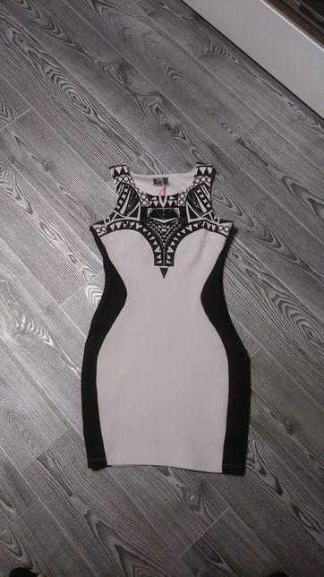 Нарядное короткое платье размер С - М
