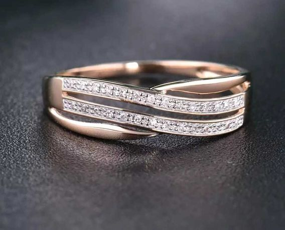 Золотое кольцо с алмазами обручальное 585 проба