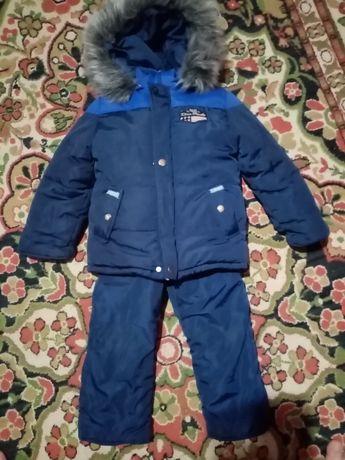Зимний комбинезон на мальчика 2-4 года