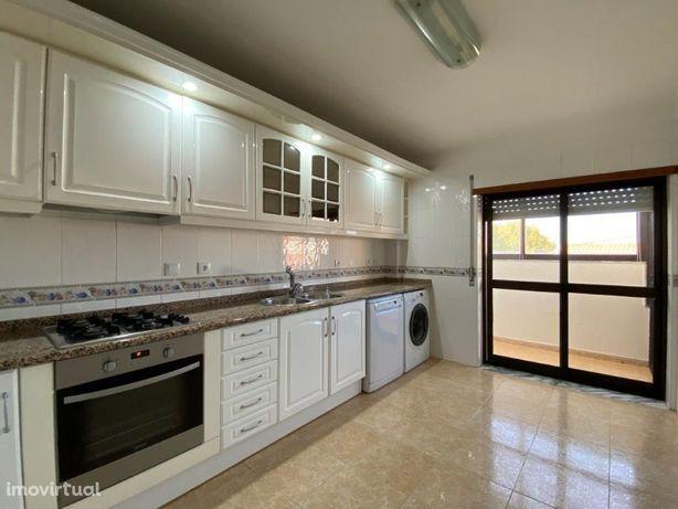 Apartamento T2 - 2º Piso - Pinhal Novo
