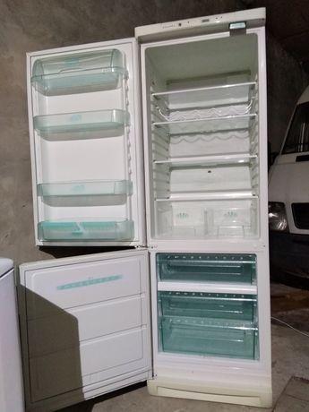 Холодильник двухкамерный Electrolux из Швеции