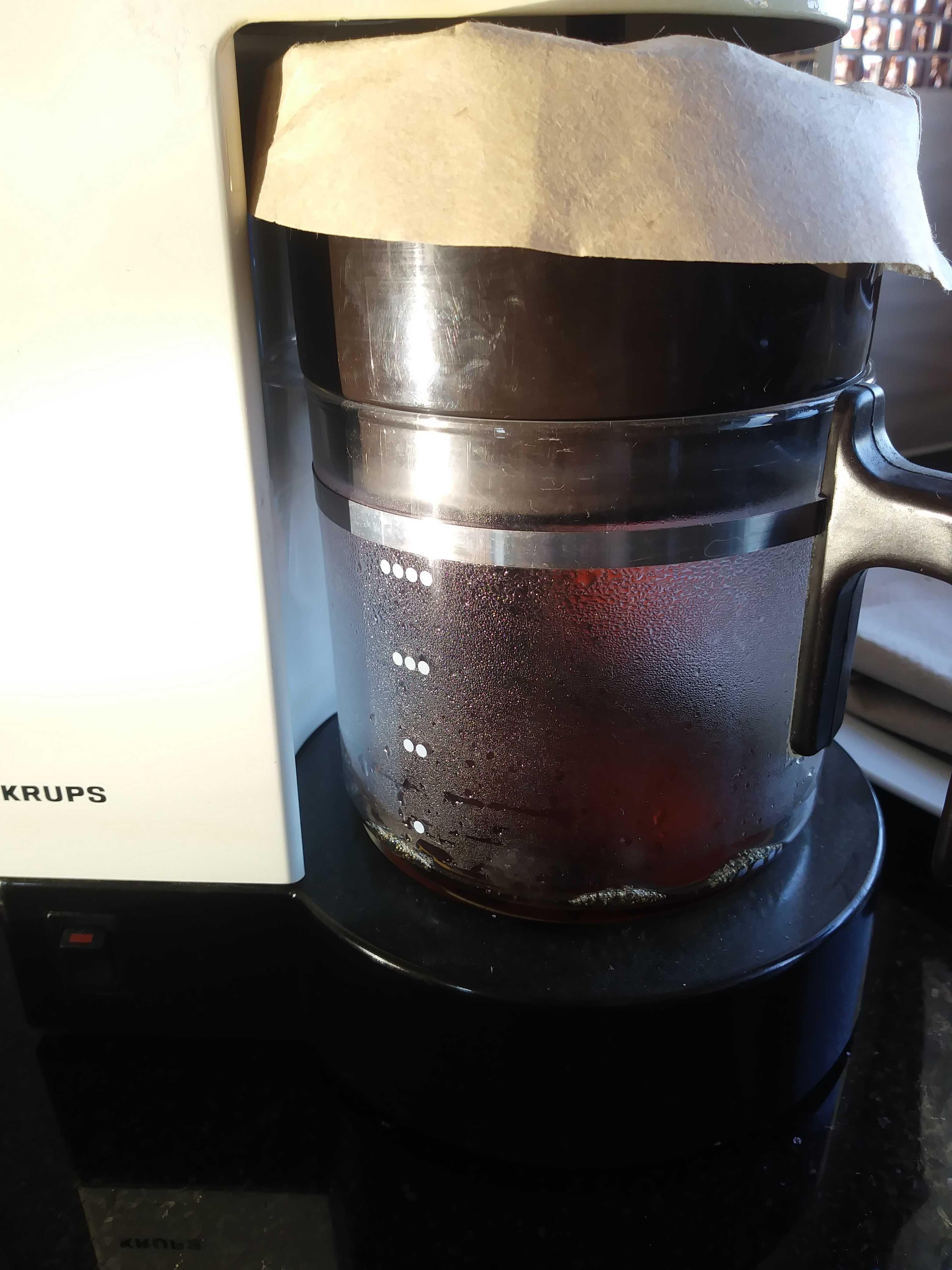 Ekspres do kawy.Bardzo prosty w obsludze