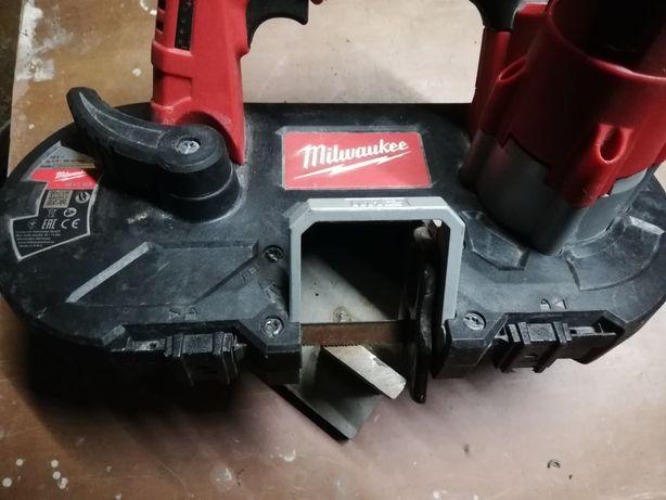 Przecinarka taśmowa do metalu Milwaukee m12 BS