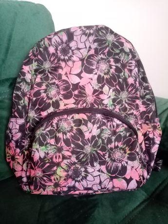 Plecak w kwiatowy wzór Avon
