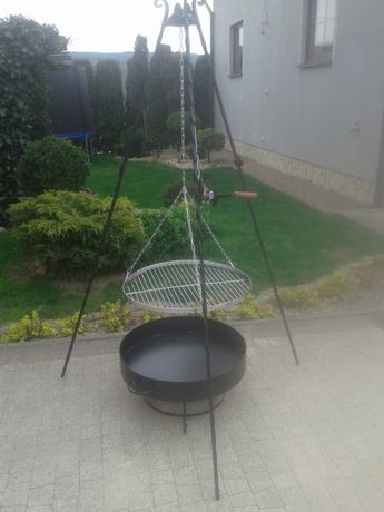 Grill ogrodowy trójnóg +ruszt chromowany +palenisko
