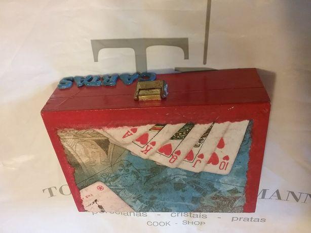 Caixa artesanal para cartas