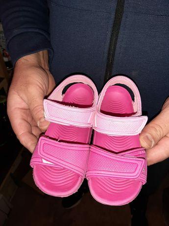 Sandałki gumowe rozmiar 28