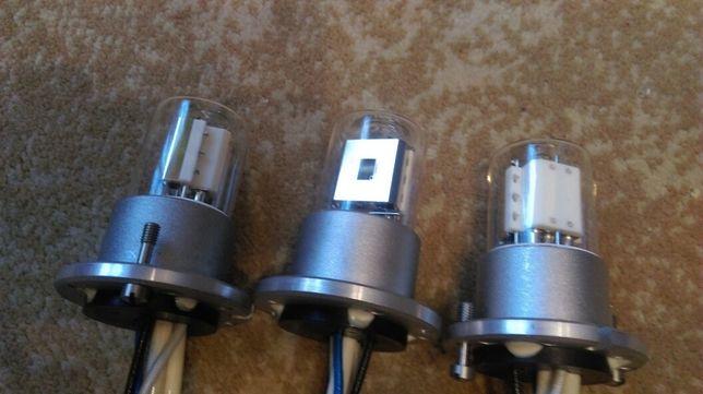 Detektronowa Lampa Deutronowa (lampa elektronowa)
