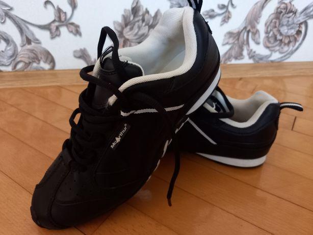 Кросівки нові на хлопчика/ хлопчачі кросівки
