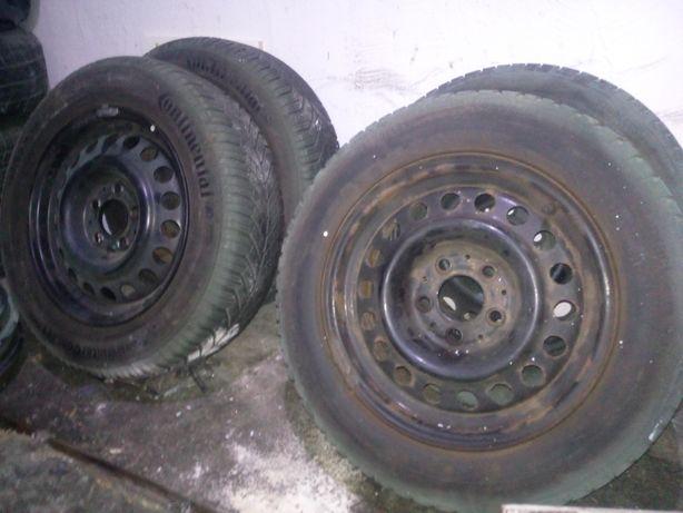 """Felgi stalowe 15"""" 5x112  z oponami zimowymi plus kołpaki Mercedes"""