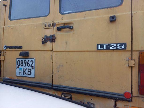 Бус  Volkswagen LT28