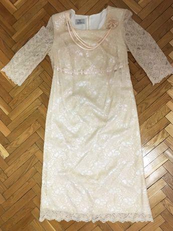 Новое женское платье с кружевом
