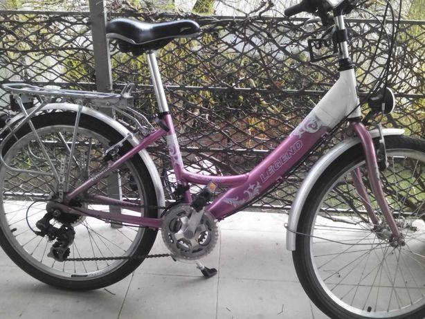 Rower dziewczęcy młodzieżowy.