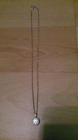 Łańcuszek ze slicznym wisiorkiem