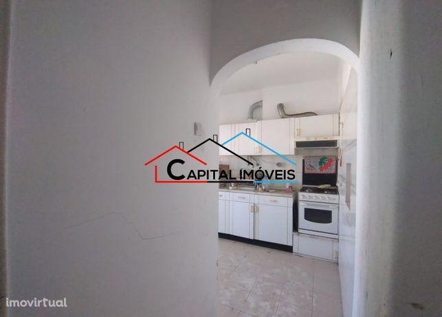 Apartamento T2 , para remodelar, Almada (FC)
