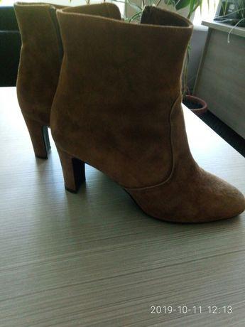Ботинки із натуральної замші від Minelli, розмір 38, стелька -24,5