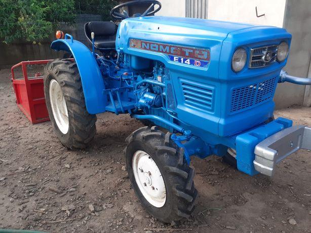 Trator Hinomoto 4x4 24cv