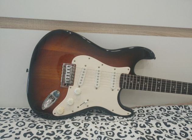 Guitarra Stratocaster Fender Squier Affinity