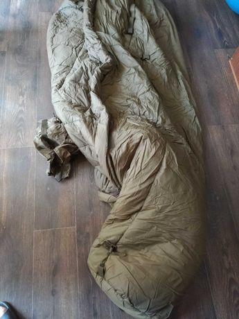 спальник Carinthia Survival One