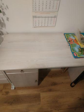 Biurko sosnowe pomalowane białą farbą kredową