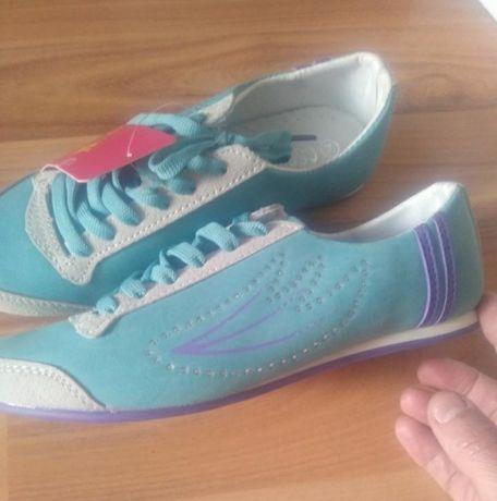 Кроссовки туфлі кеди