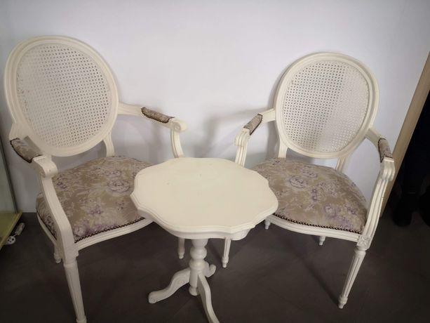 Krzesło,krzesła tapicerowane,antyk,stolik